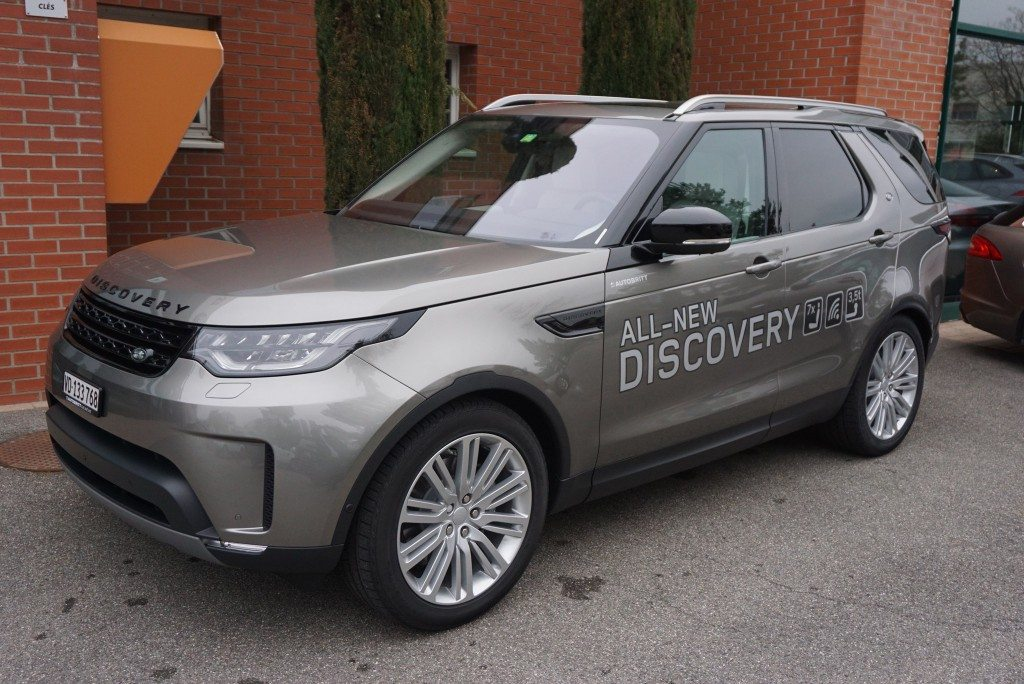 LAND ROVER Discovery 3.0 TD6 First Edition Automatic