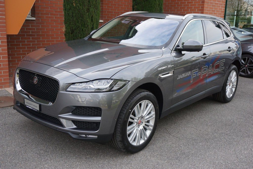 jaguar f pace 3 0 suv tout terrain jaguar jaguar f pace 3 0 td portfolio awd automatik 9 39 000. Black Bedroom Furniture Sets. Home Design Ideas