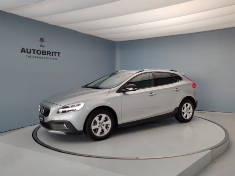 VOLVO V40 Cross Country...