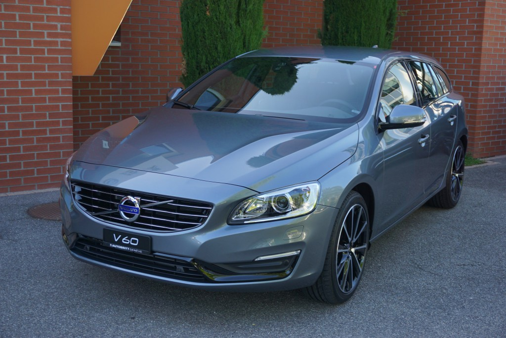 VOLVO-V60-T4-Momentum-Dynamic-Edition-Geartronic-1